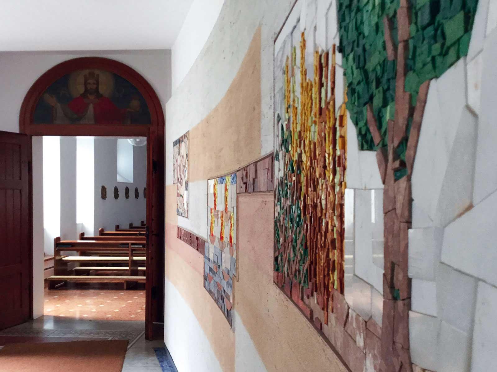 Seniorenzentrum-Bruder-Konrad-Stift-Hauskapelle-St-Anselmus-Eingang-2