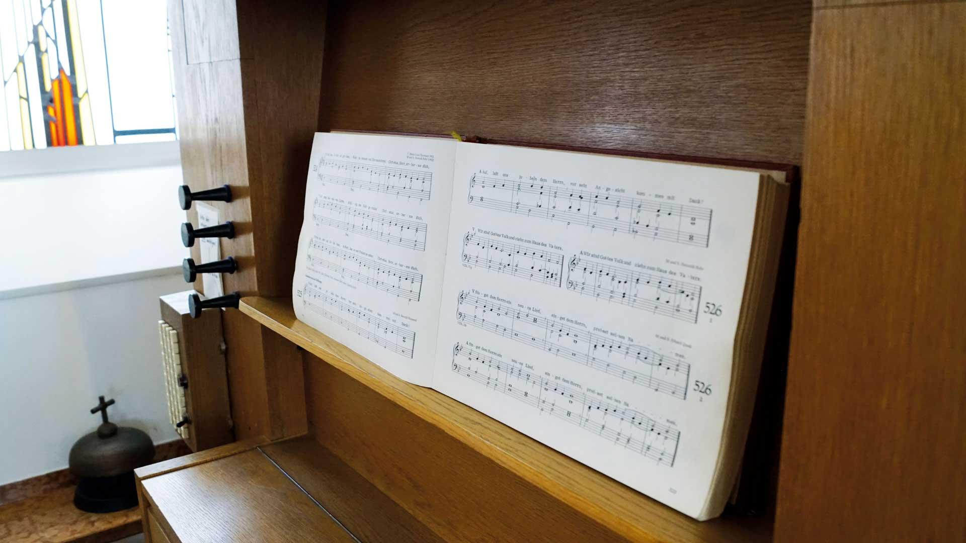 Seniorenzentrum-Bruder-Konrad-Stift-Kapelle-St-Anselmus-Orgel-1