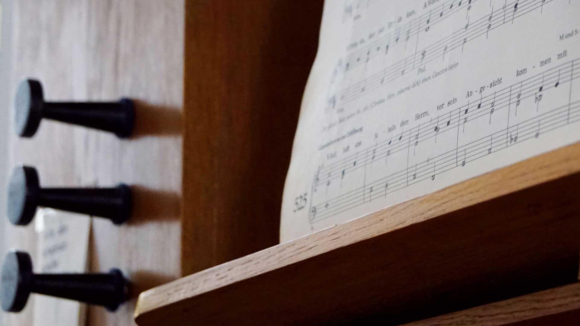 Seniorenzentrum-Bruder-Konrad-Stift-Kapelle-St-Anselmus-Orgel-3
