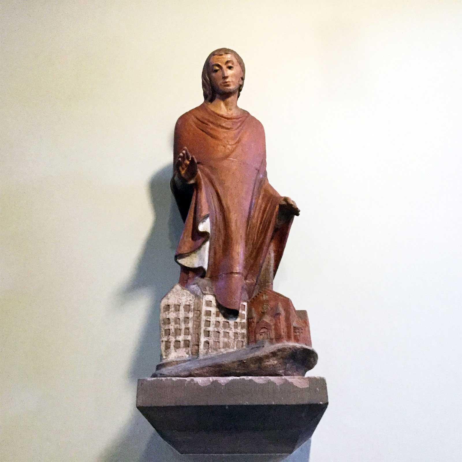 Seniorenzentrum-Bruder-Konrad-Stift-Mutterhauskirche-Marienschwestern-Statue