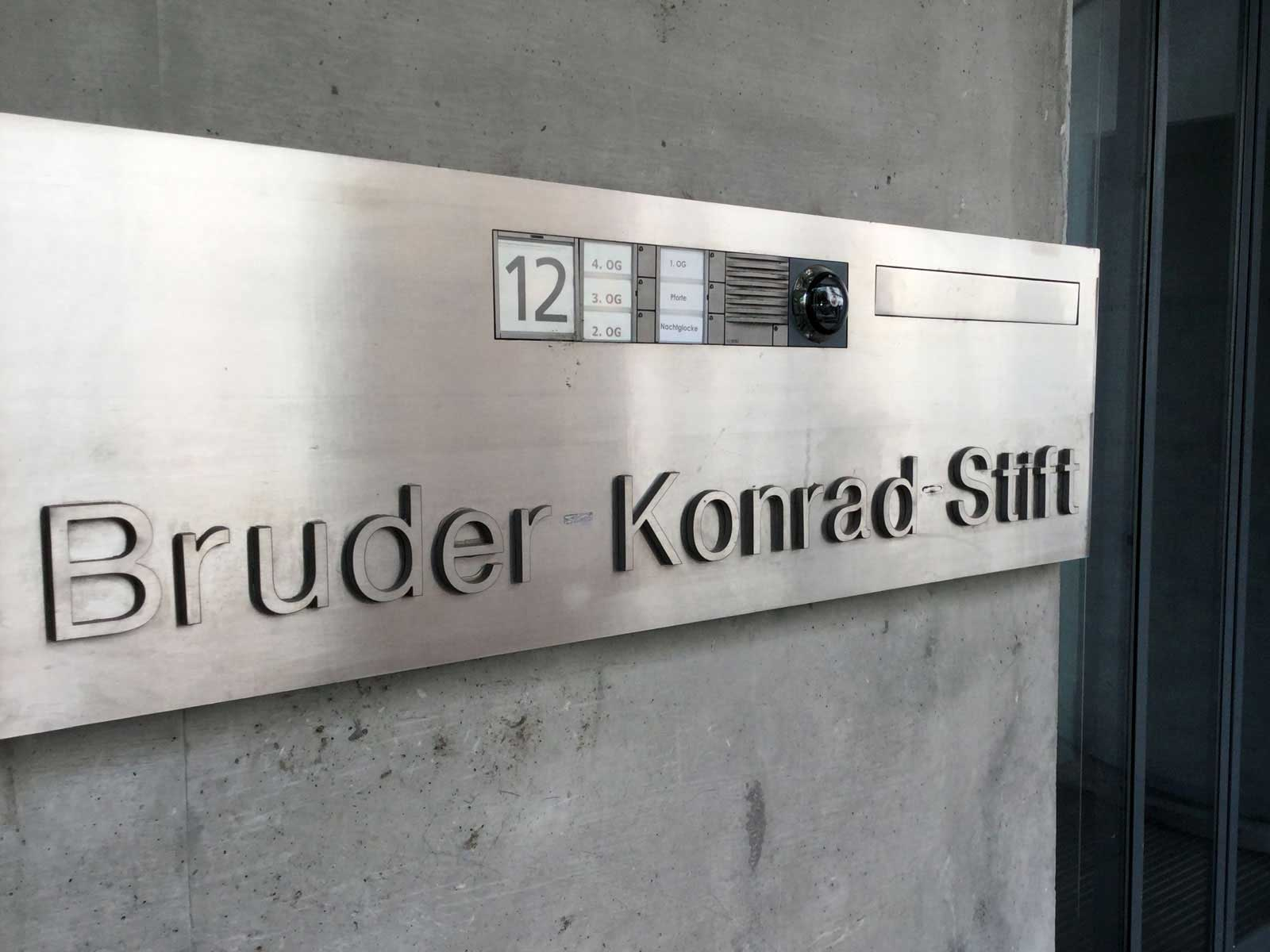 Seniorenzentrum-Bruder-Konrad-Stift-Schwestern-Haupteingang