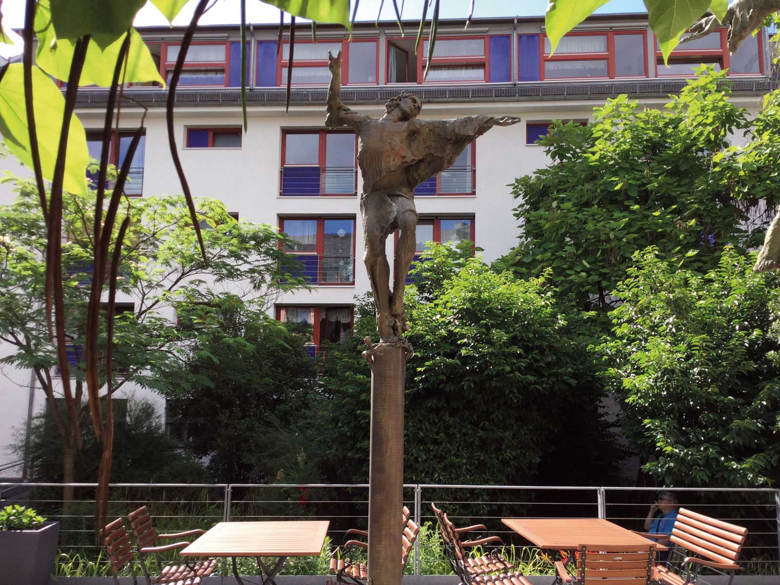 Seniorenzentrum-Bruder-Konrad-Stift-Statue-10