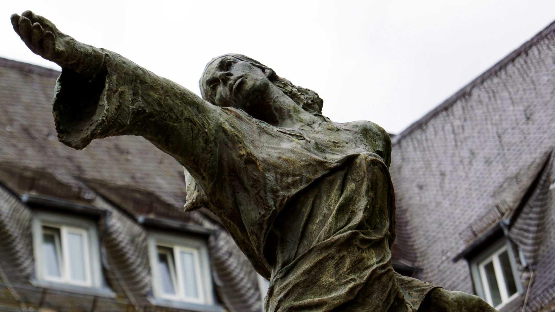 Seniorenzentrum-Bruder-Konrad-Stift-Statue-12