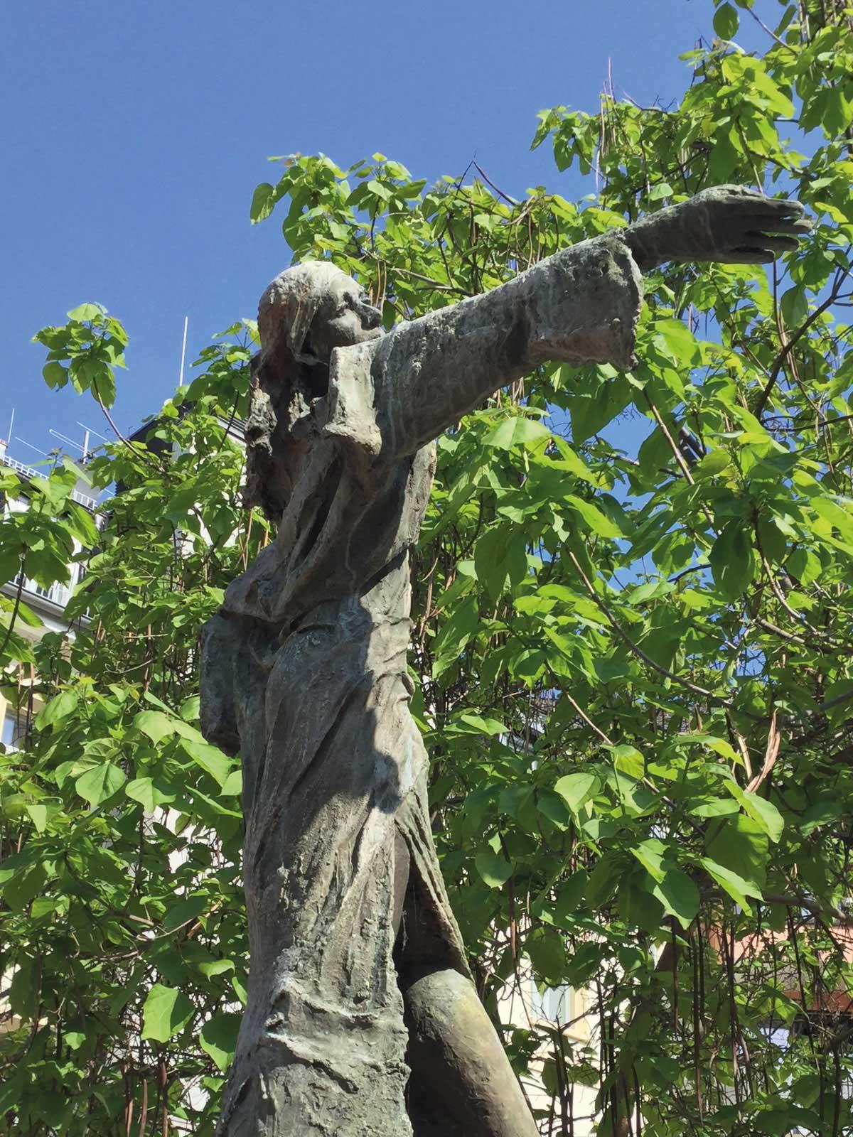 Seniorenzentrum-Bruder-Konrad-Stift-Statue-13
