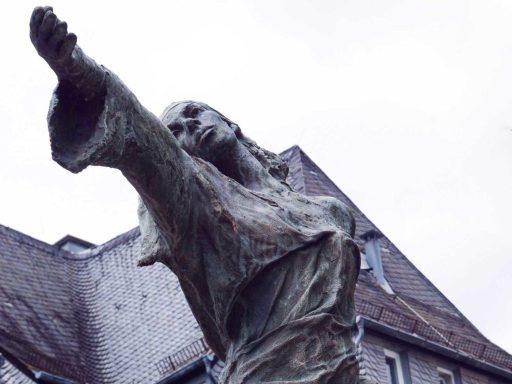 Seniorenzentrum-Bruder-Konrad-Stift-Statue-6
