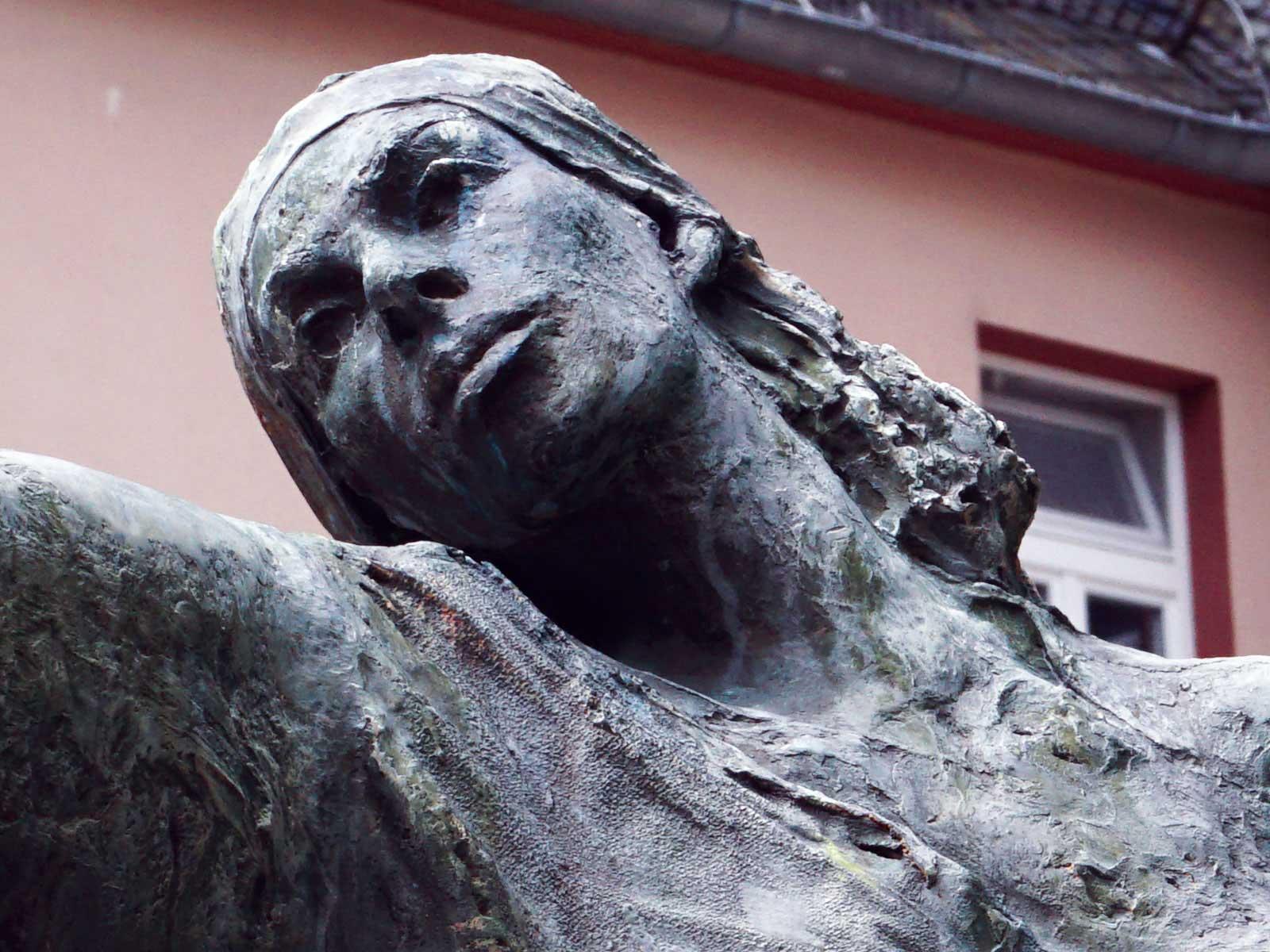Seniorenzentrum-Bruder-Konrad-Stift-Statue-8