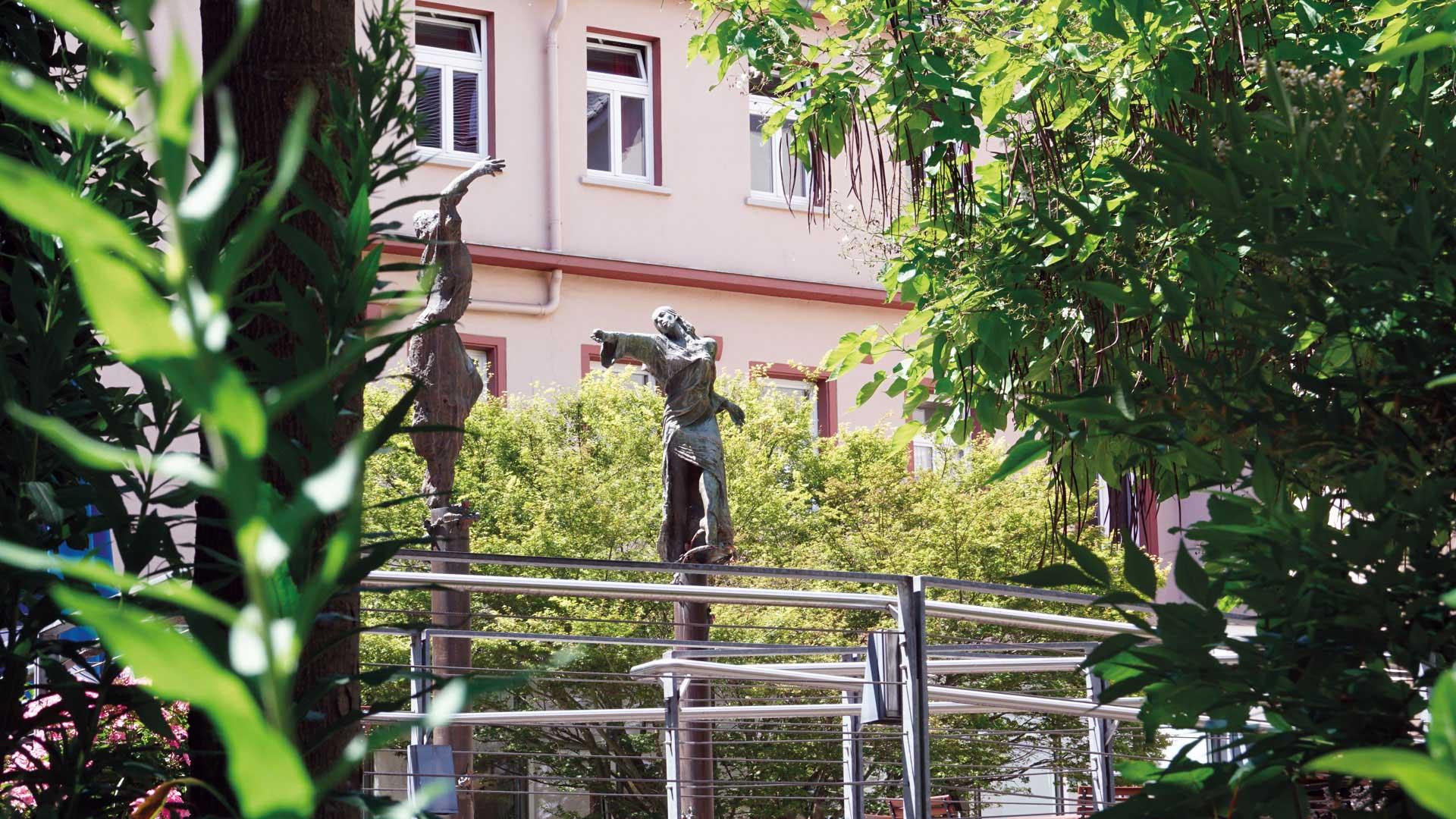 Seniorenzentrum-Bruder-Konrad-Stift-Statue-9